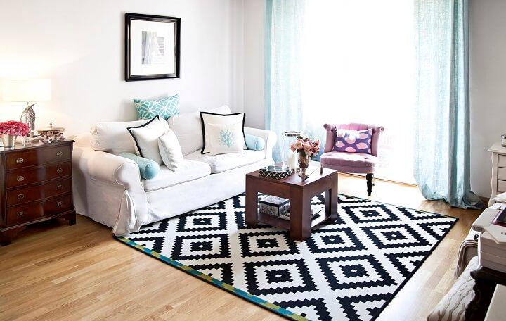 salon-con-una-alfombra-grande